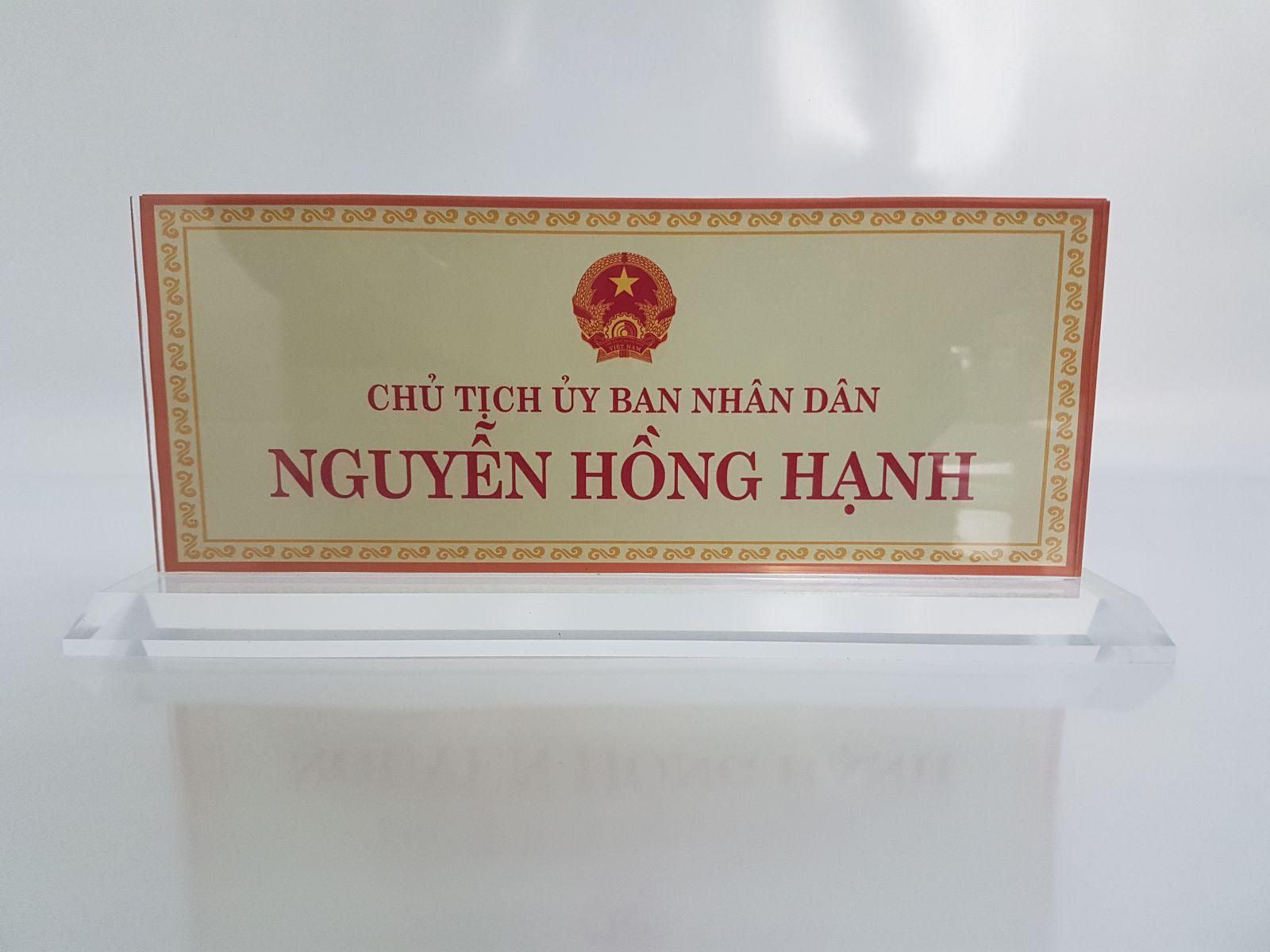 Biển chức danh Mica giá rẻ tại Hà Nội